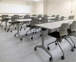 KI Strive Chairs and Pirouette Desks for College Classrooms