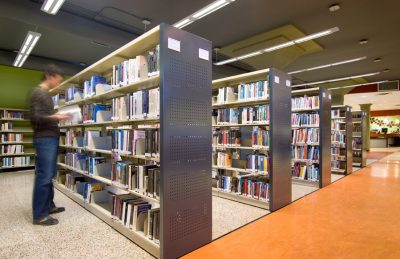 Montel Library Shelves