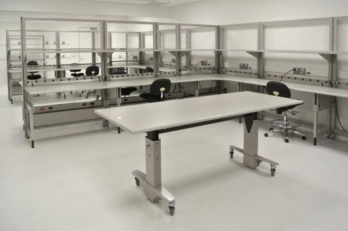Symbiote lab table