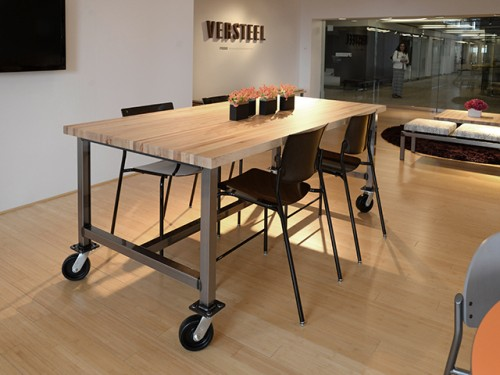 Versteel Maker table, collaborate, huddle, open office, meeting table